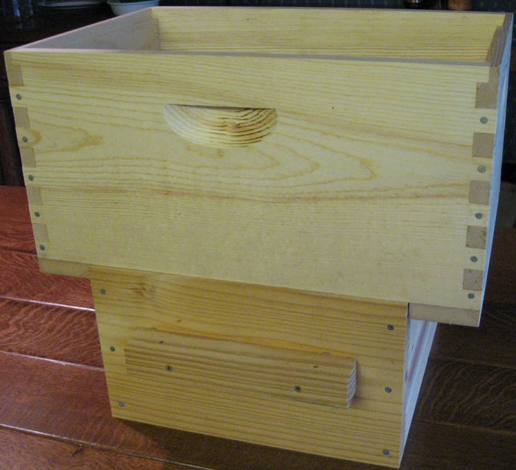 Beekeeping With The Warr 233 Hive Populating A Warr 233 Hive